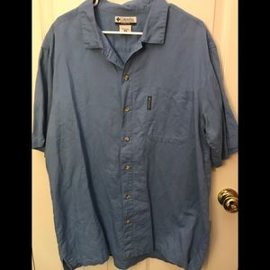 COLUMBIA 🎣 button down short sleeve XL Like New